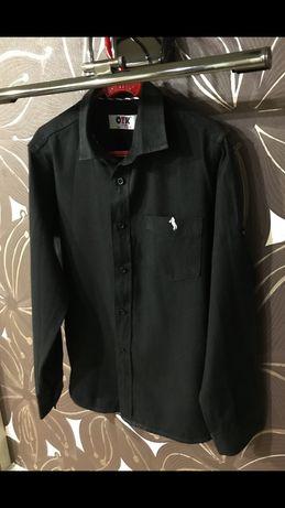 Красивая черная рубашка на мальчика