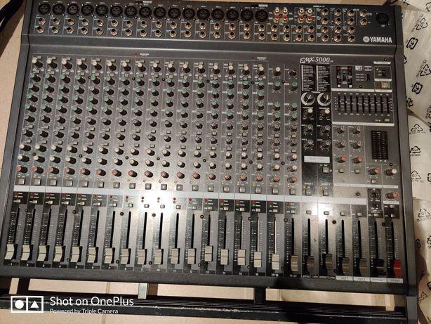 Yamaha EMX5000-20 Powered mixer