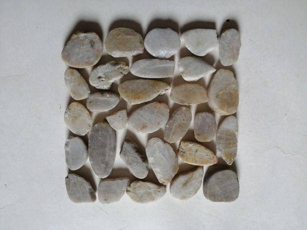 kamyczki ozdobne do lazienki kafelek kafel mozaika