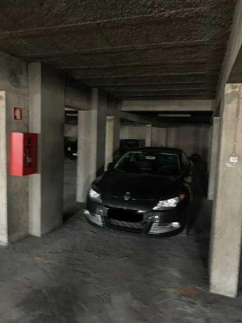 Alugo lugar de garagem perto da universidade do minho-Guimarães