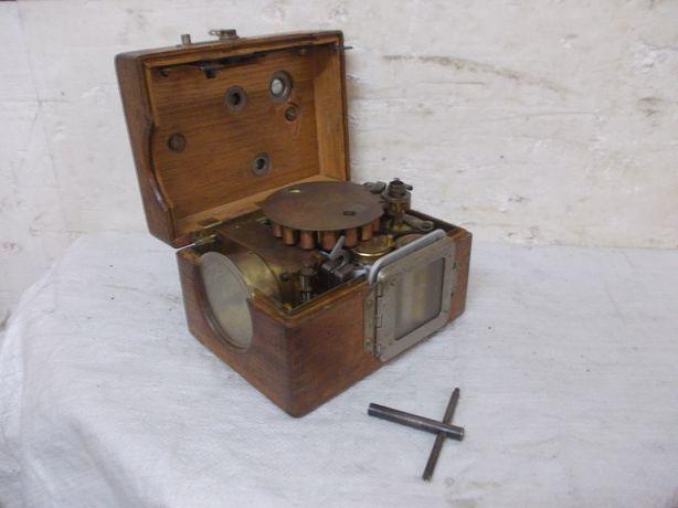 Stary rejestrator zegar lotu gołębi benzing