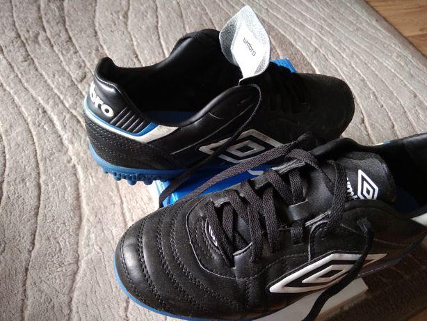 Buty do piłki nożnej rozmiar 41