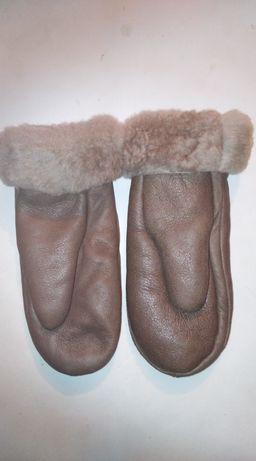 Натуральные кожаные рукавички