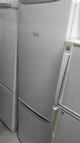 Hotpoint-Ariston . Холодильник двухкамерный. Высота 2 м.