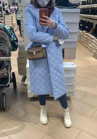 Длинное прямое деми пальто