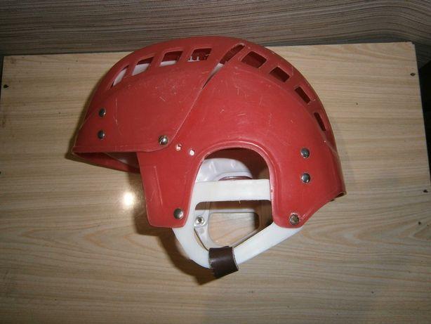 шлем детский СССР для хоккея . 200 гривен .