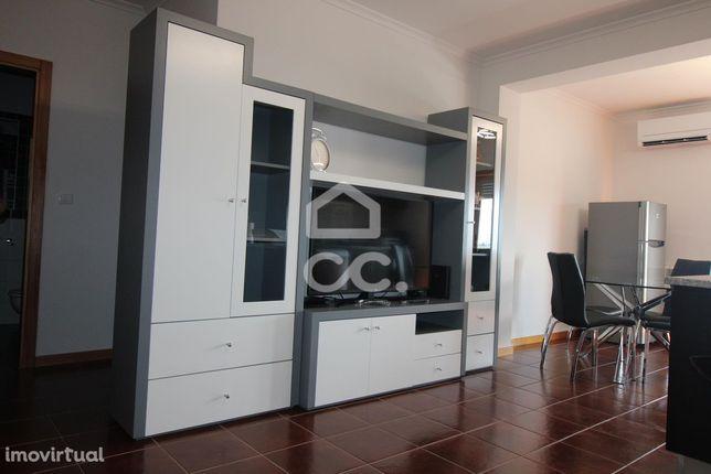 apartamento T1, no R/C alto, com ar condicionado e ar condicionado, va