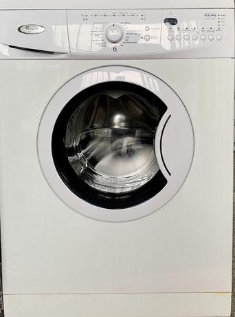 Maquina roupa usada