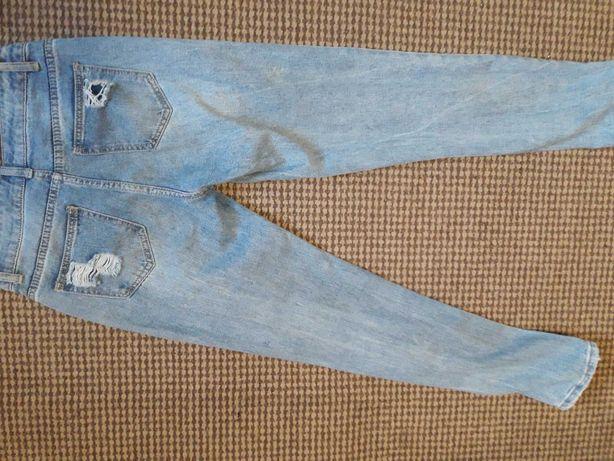 Гарні рвані джинси