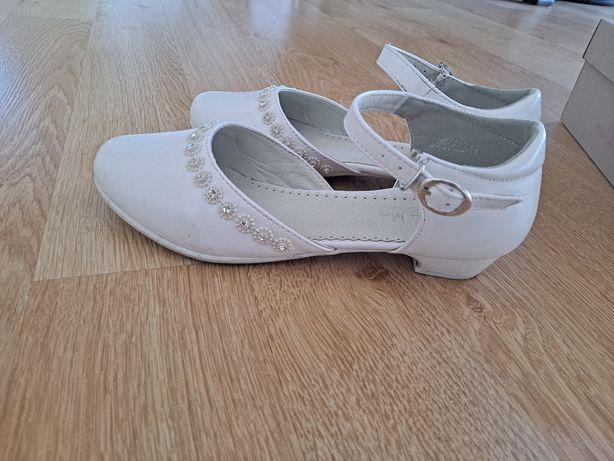 Buty białe na komunię, do sukienki