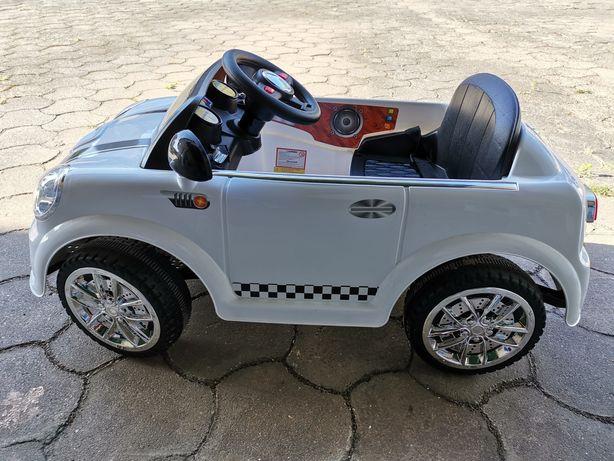 Carro Mini elétrico telecomandado