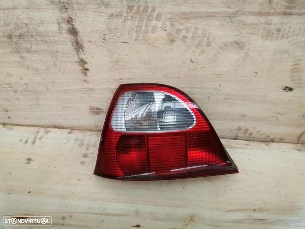 Farolim trás esquerdo Rover 25 MG ZR