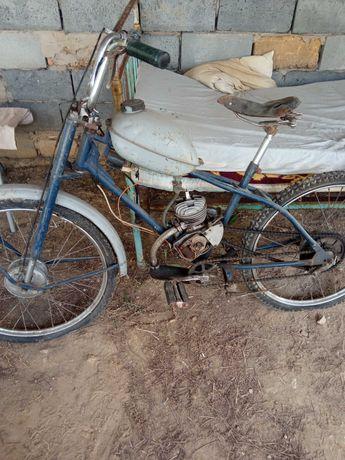 Советский Велосипед на бензиновом моторе