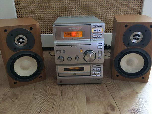 Mini wieża Sony z odtwarzaczem kaset magnetofonowych, radiem FM