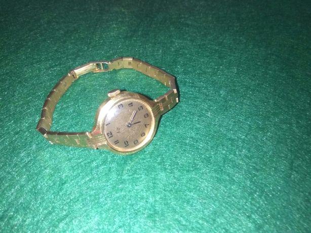 Часы женские позолоченные Луч