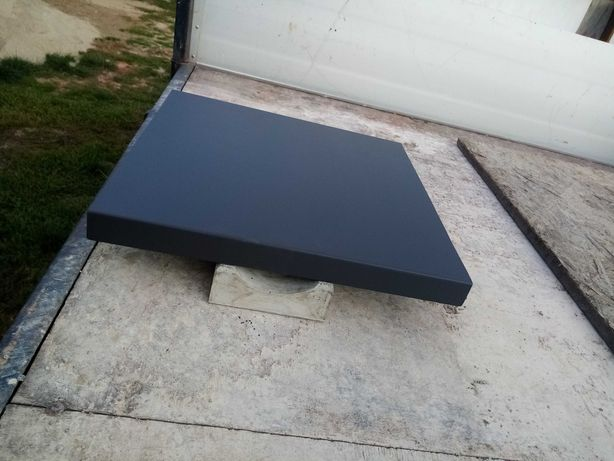 Daszek ogrodzeniowy betonowy 42×42 nakrycie parapet słupek płaski