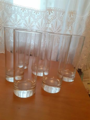 Стеклянные стаканы