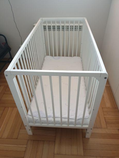 łóżeczka niemowlęce + materace 2 sztuki