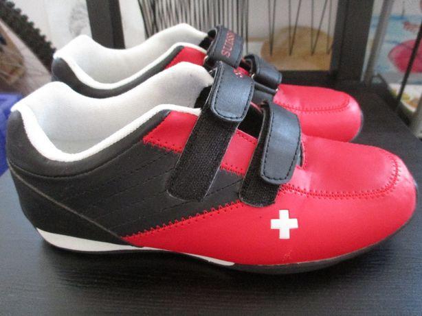 Ténis Suisse+sandálias.