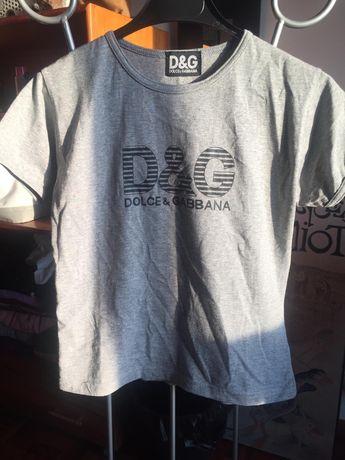 Vários TOPS e T-shirts todos a 4€