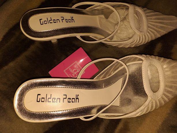 Buty na obcasie nowe