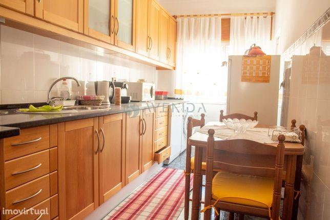 Apartamento T3 - Vila Chã 1º Andar