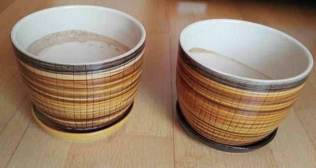 Doniczki ceramiczne z podstawkami