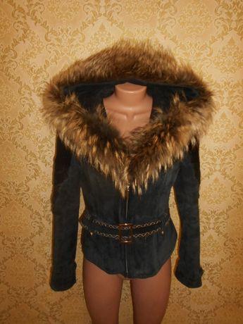 Куртка дубленка с капюшоном натуральный мех енот