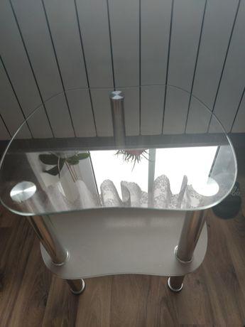 Szklany stoliczek