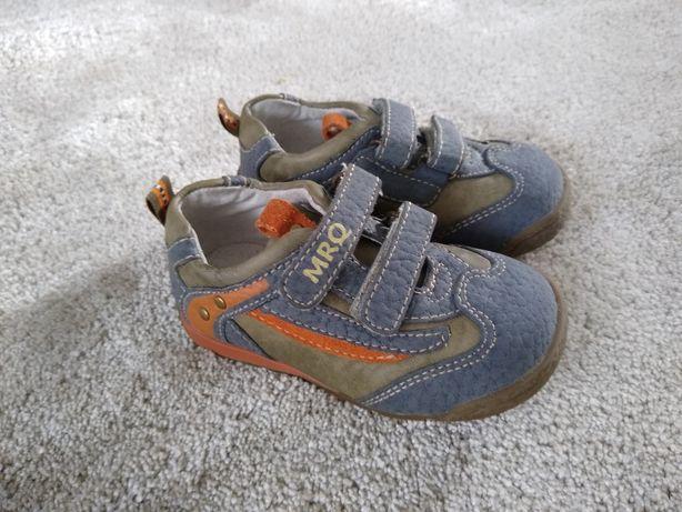Buty 21 kapcie sandały