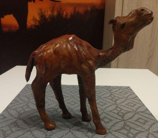 Skórzana figurka - wielbłąd