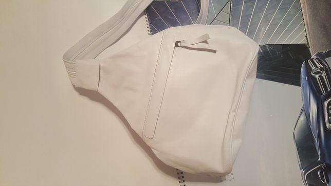 Кожаный белый рюкзак сумка
