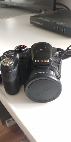 Aparat cyfrowy Fujifilm FinePix S2950 + torba