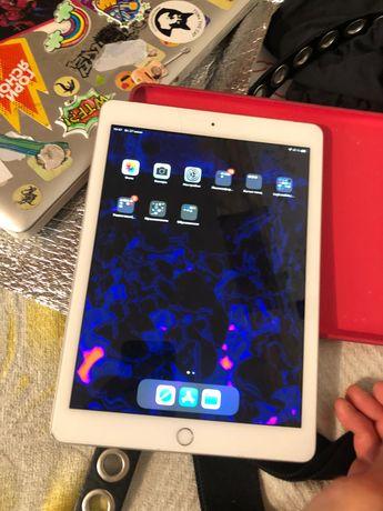 iPad 6th generation (A1954) 32gb обменяю на более новый