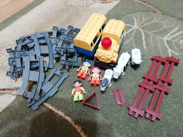 Pociąg z torami i akcesoriami