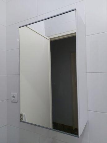 Armário de Espelho