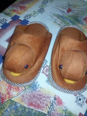 Продам дитячі кімнатні черевички