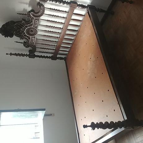Cama Casal com 2 mesas cabeceira e cômoda