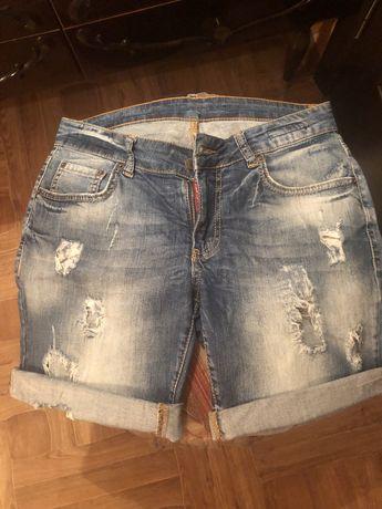 Продам джинсовые шорты DSQUARED