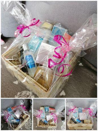 Zestaw kosmetyków Avon w koszyku nowe folia prezent
