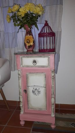 Mesa cabeceira  Shabby French style