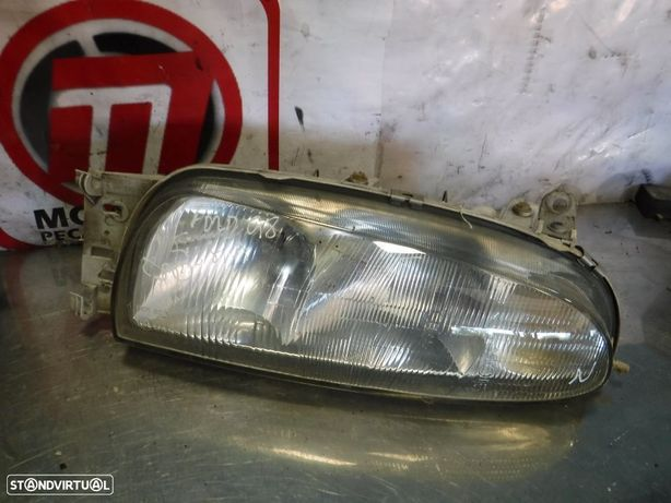 Ótica / Farol Ford Fiesta 96-99 - Esquerdo / Direito