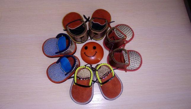 Интересный брелок обувь из натуральной кожи, сувенир