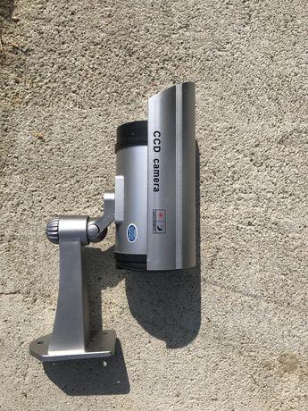 Atrapa kamery budowalnej na baterie