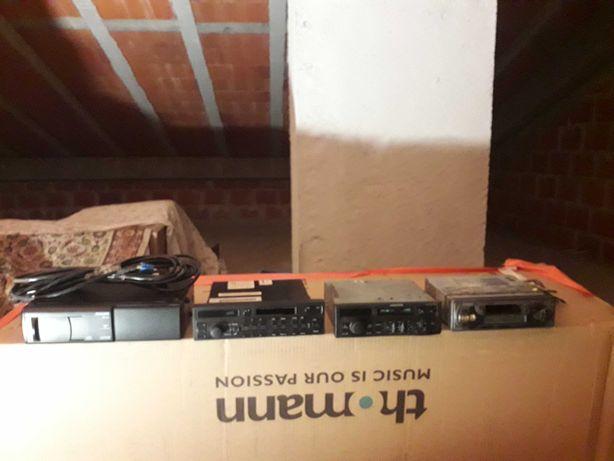 Auto-rádios usados para venda, vendo em conjunto ou separados