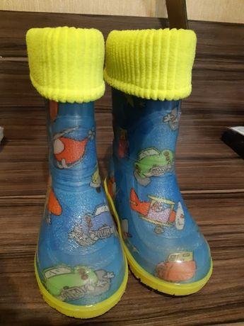 Продам новые резиновые сапоги сапожки чоботи