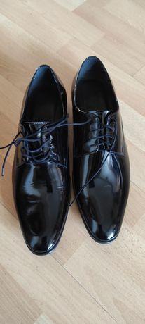 Buty lakierki MON - nowy wzór