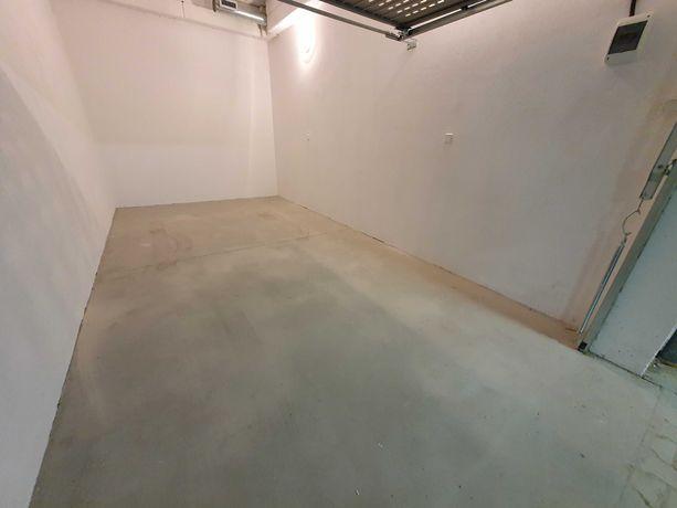 Zamykany nowy garaż w hali pod budynkiem Potrzebowskiego 2 - 8