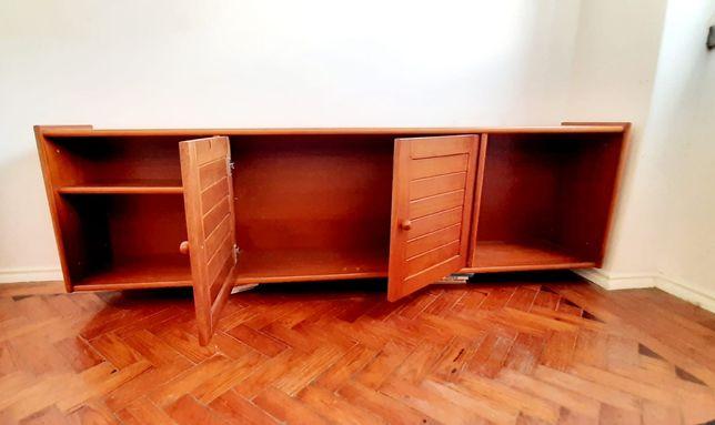 Móvel TV aparador, em madeira maciça pinho nórdico c rodas deslizantes