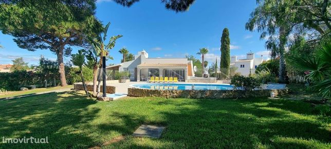 Algarve Carvoeiro, para venda, moradia renovada com vista mar e com 3